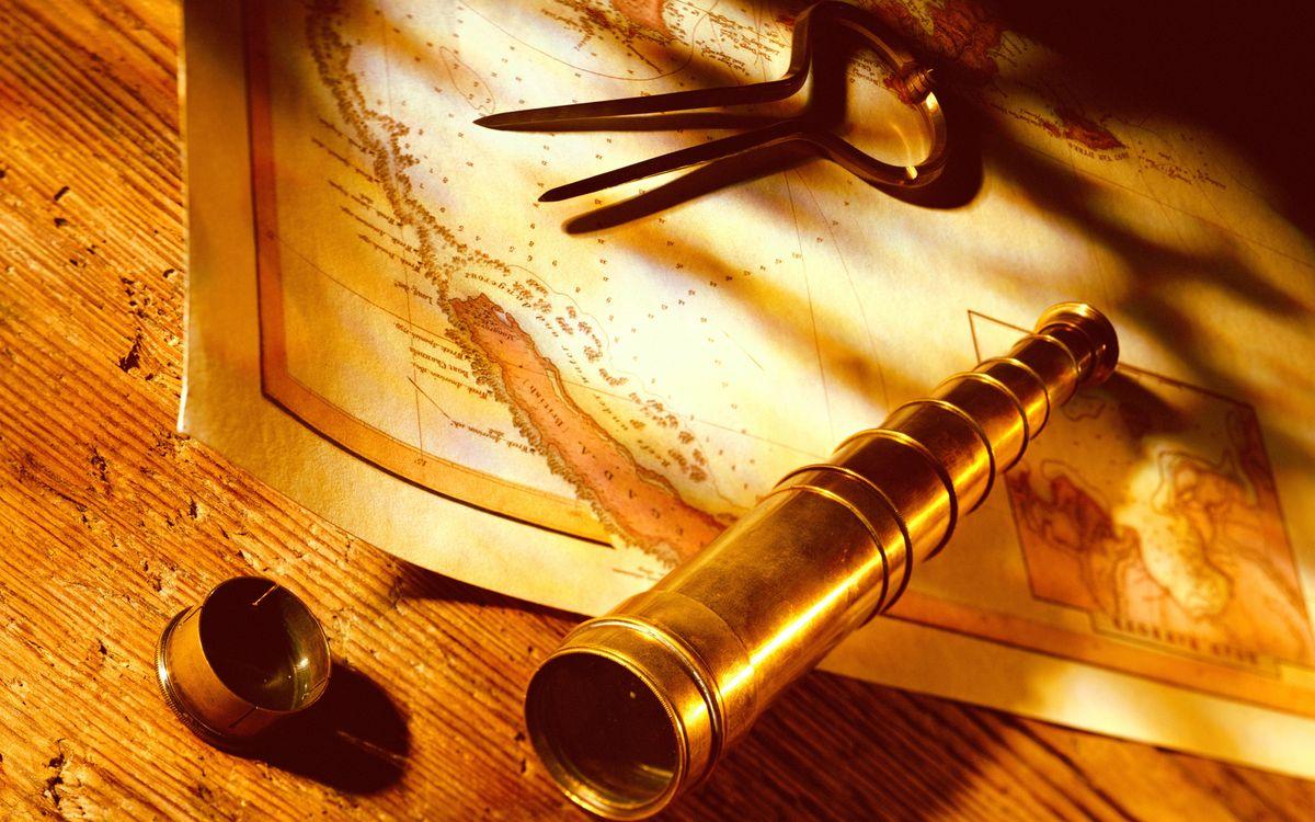 Фото бесплатно карта, циркуль, подзорная труба, колпачок, крышка, стол, деревянный, материки, мир, разное, разное - скачать на рабочий стол