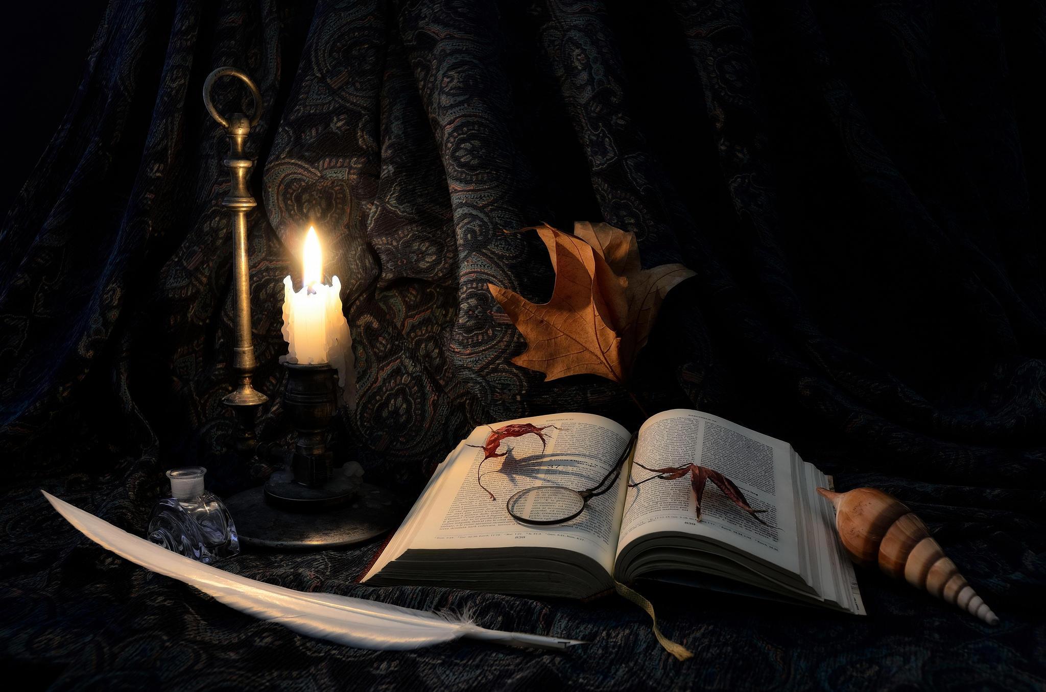 Обои книга, перо, свеча, натюрморт