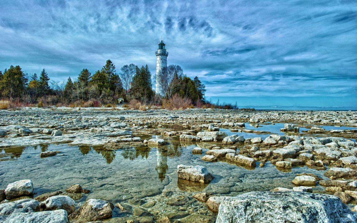 Фото бесплатно маяк, берег, океан, камни, деревья, небо, тучи, пейзажи, природа, разное, разное - скачать на рабочий стол