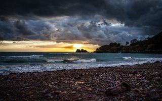 Бесплатные фото море,волны,берег,камни,тучи,небо,восход