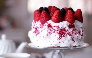Бесплатные фото торт,крем,сливки,ягода,клубника,десерт,сладость