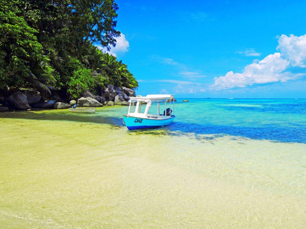 Обои пейзажи, лодки, море картинки на телефон