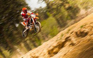 Фото бесплатно мотокросс, прыжок, трамплин, мотоцикл, спорт