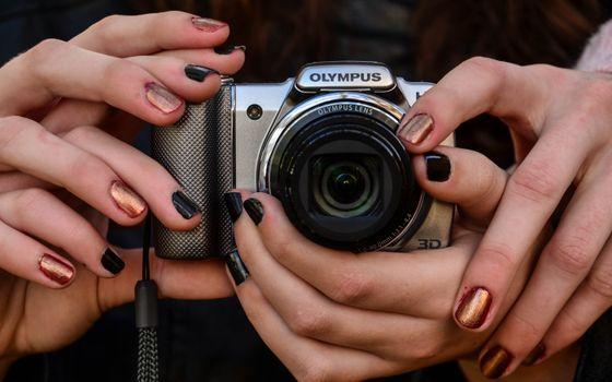 Фото бесплатно фотоаппарат, фотик, пальцы