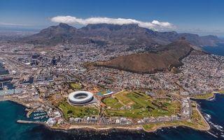 Фото бесплатно город у подножья горы, вид, сверху