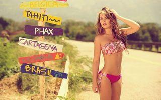 Фото бесплатно лето, девушка, купальник, дорога, указатели, выбор, ситуации