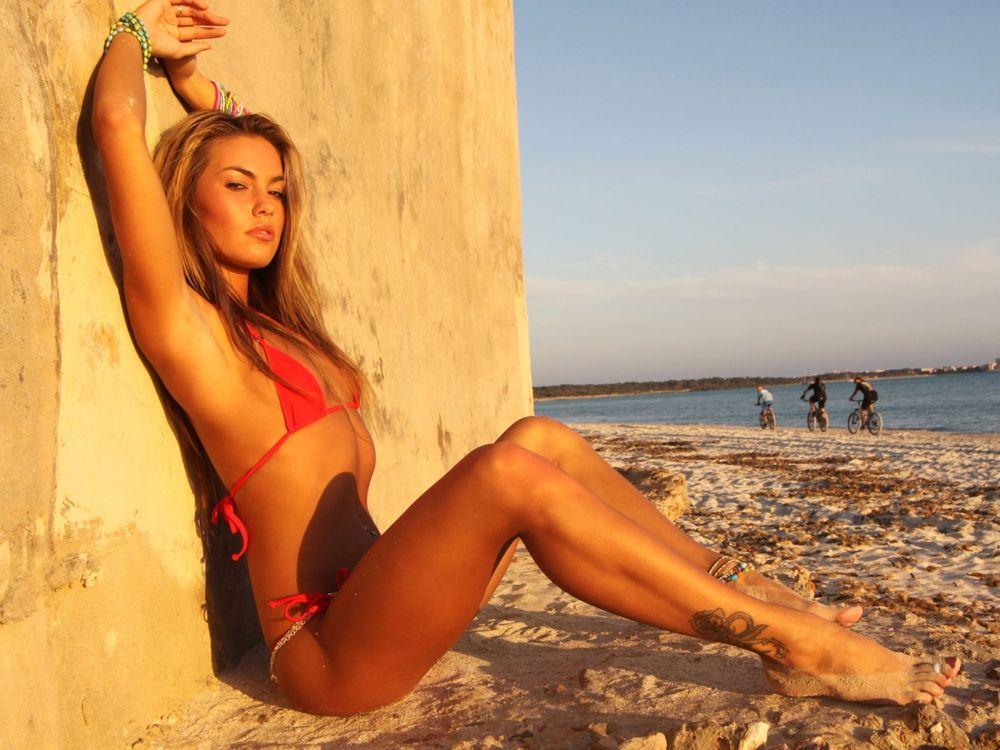 Фото бесплатно пляж, стена, девушка - на рабочий стол
