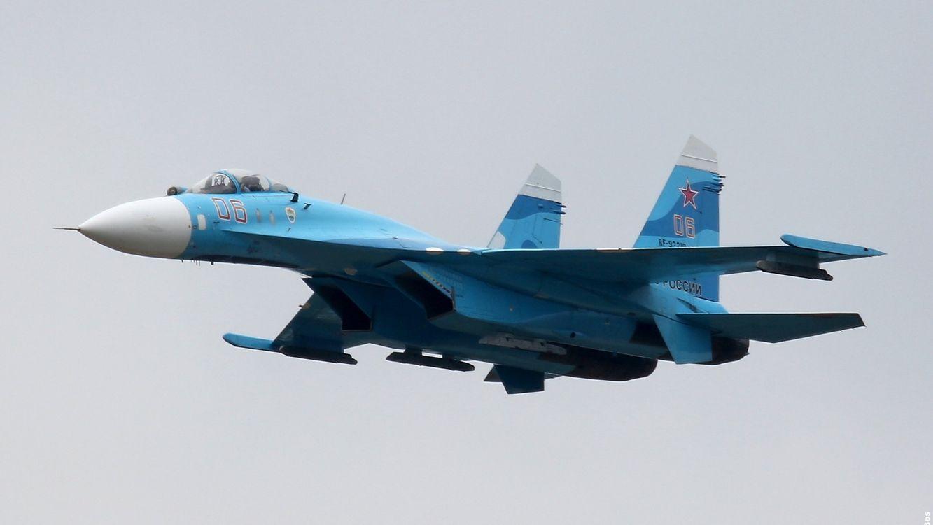 Фото бесплатно самолет, военный, синий, крылья, кабина, турбины, авиация, авиация