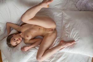 Фото бесплатно Винни, голая, поза