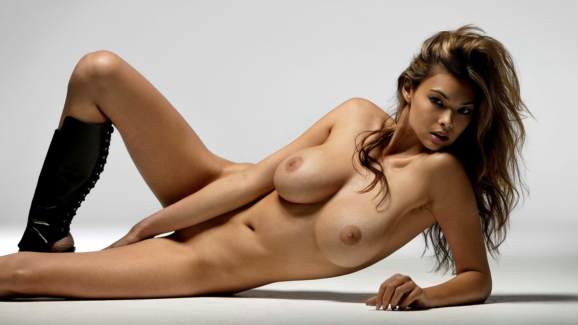 Half nude pretty women