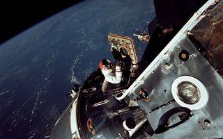 Photo free astronaut, satellite, planet