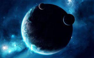 Фото бесплатно магнитное свечение планеты, два спутника, космические корабли