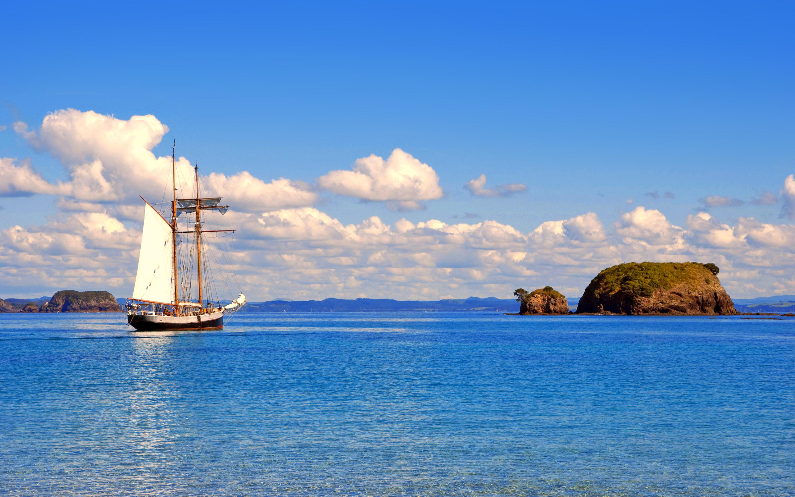море, корабль, остров