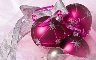 Бесплатные фото шарики,ленточка,украшение,елочные,блестки,звездочки,ткань