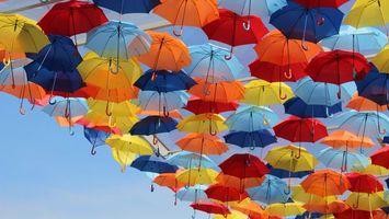 Фото бесплатно зонтики, цветные, парят