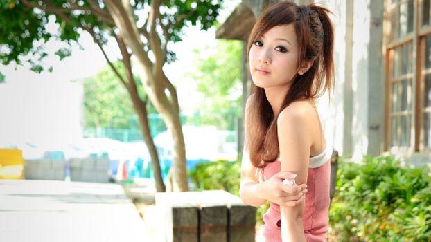 Фото бесплатно азиатка, глаза, взгляд, губы, волосы, плечи, девушки