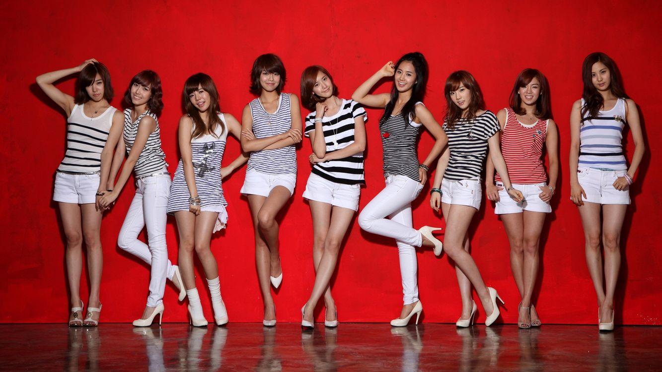 Фото бесплатно азиатки, позируют, модели, юбки, шорты, брюки, девушки - на рабочий стол