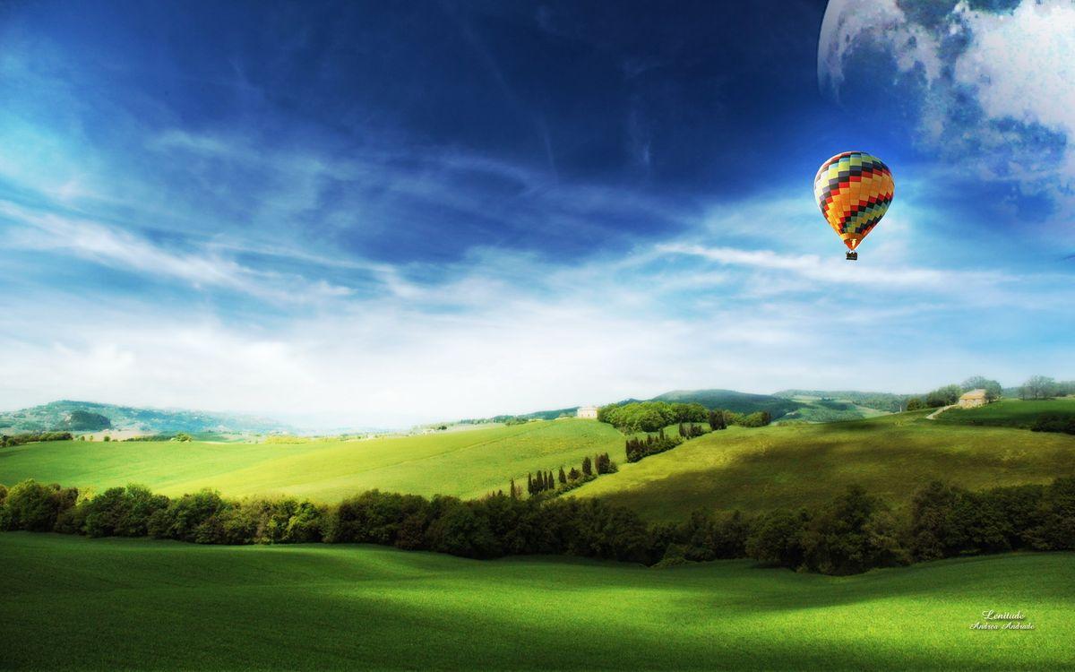Фото бесплатно поле, луг, воздушный, шар, полет, высота, трава, газон, лето, тепло, холмы, небо, облака, голубое, природа, пейзажи, пейзажи - скачать на рабочий стол