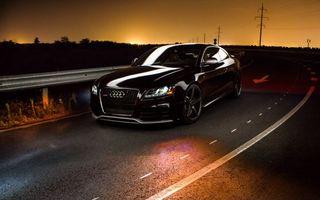 Фото бесплатно черная Ауди, трасса, скорость