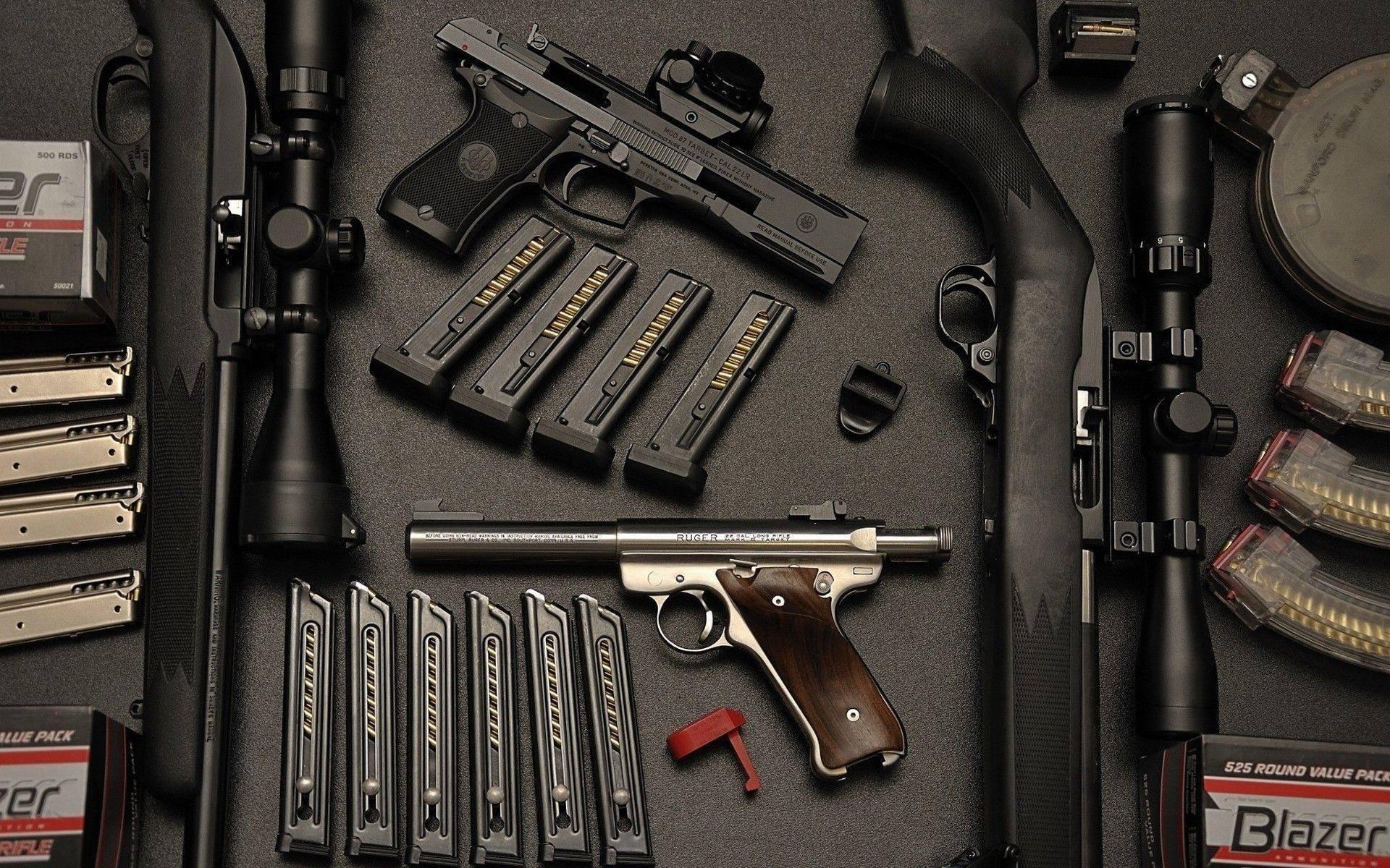 обои пистолет, снайперская винтовка, ружье, стол картинки фото