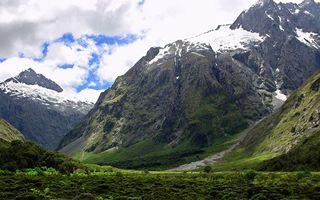 Бесплатные фото горы,скалы,вершины,снег,растительность,небо,облака