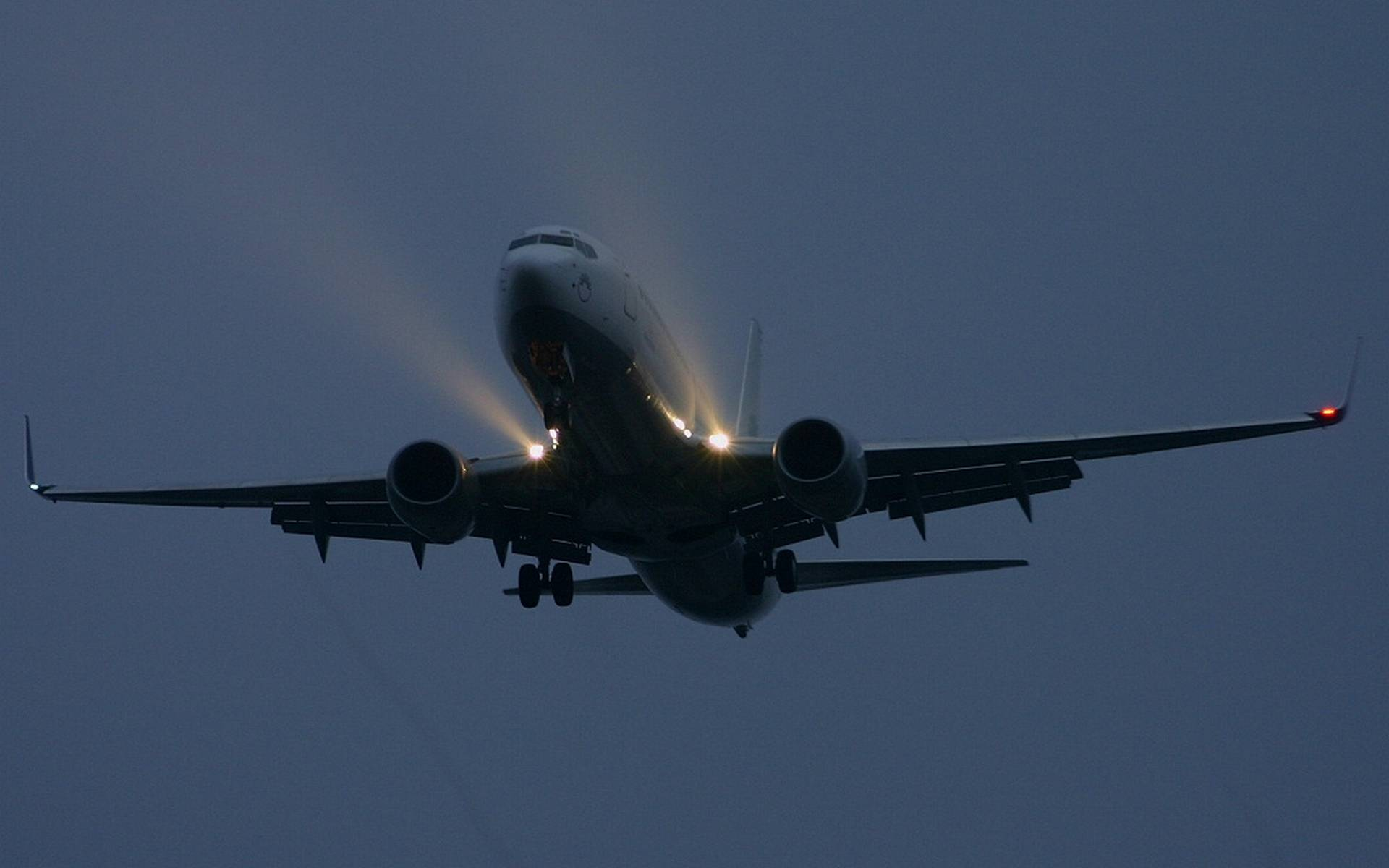 Обои самолет, пассажирский, крылья, турбины