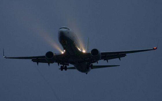 Photo free lights, turbines, airplane