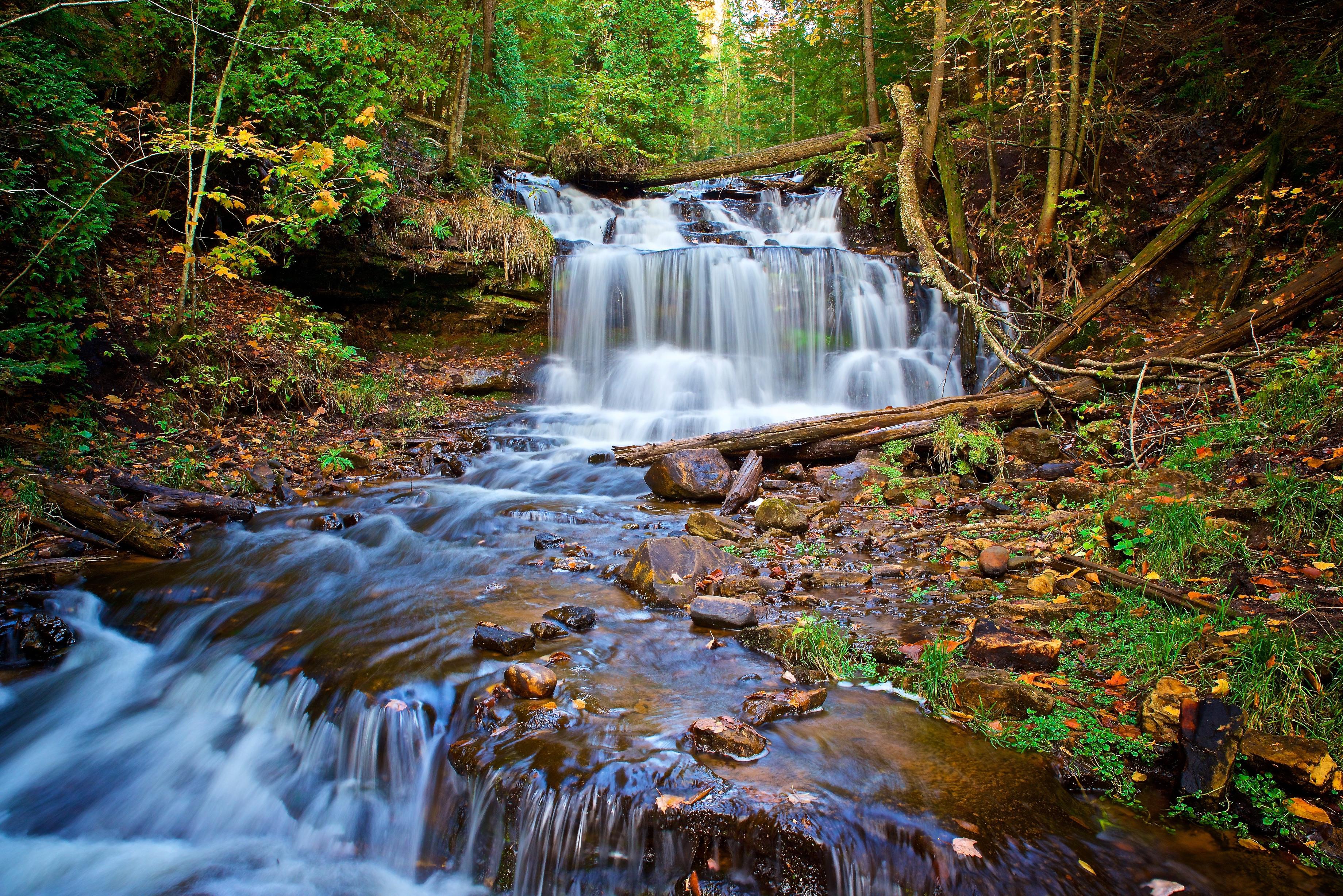 обои Wagner Falls, Munising, Michigan, осень картинки фото