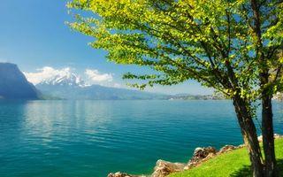 Бесплатные фото озеро,деревья,зелень,вода,горы,облака