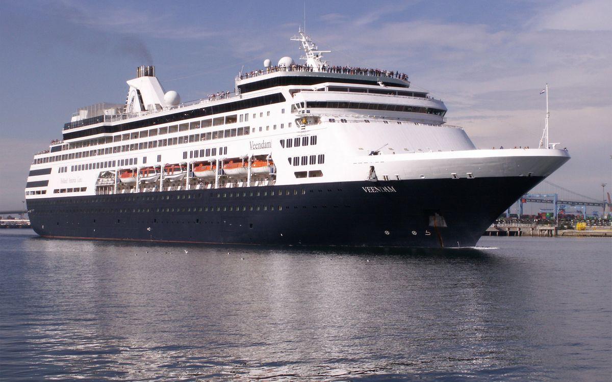 Фото бесплатно море, корабль, круизный лайнер, палубы, люди, шлюпки, корабли
