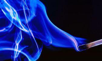 Фото бесплатно спичка, чёрный фон, дым