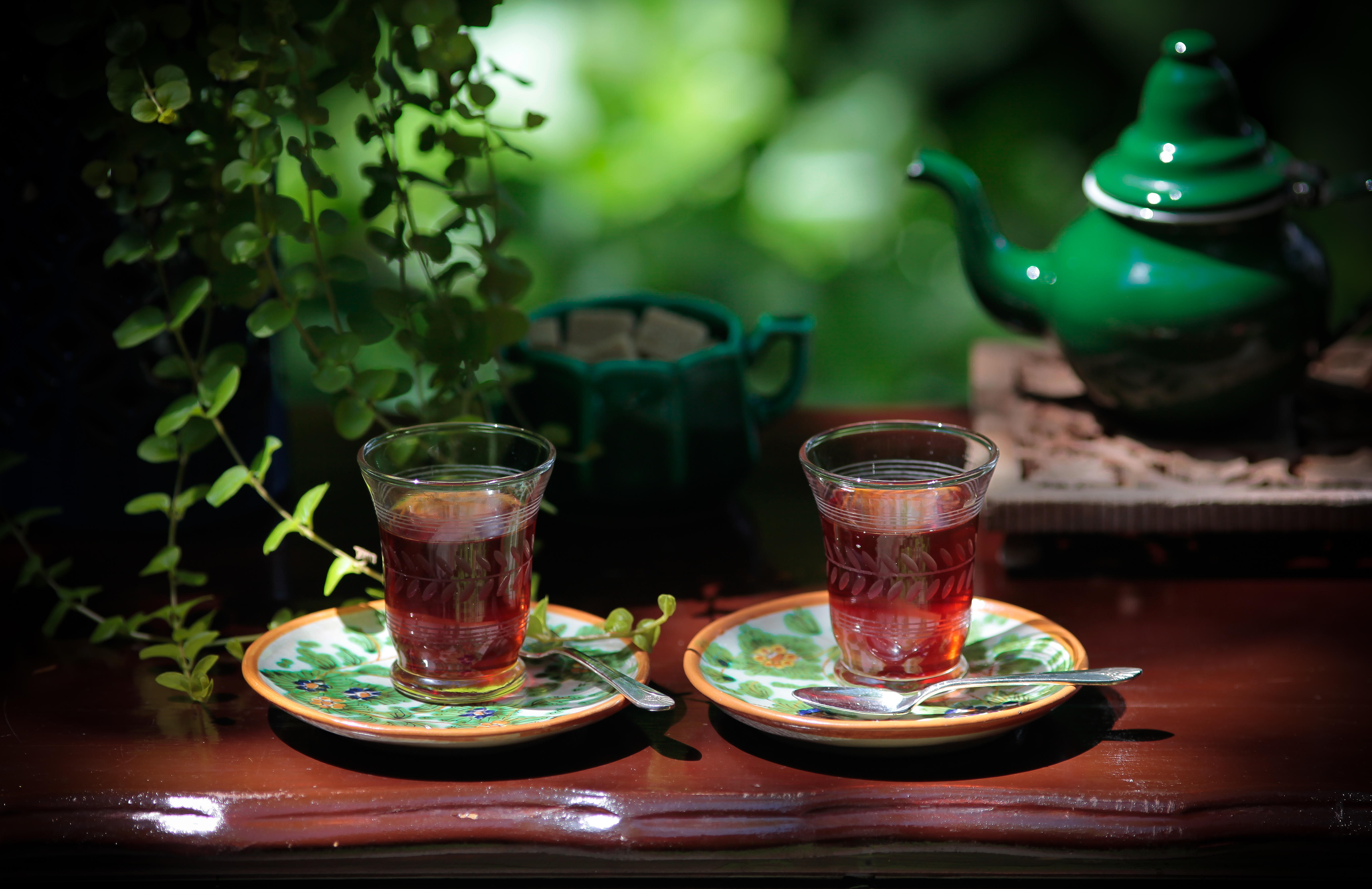 Обои чай, кружки, натюрморт