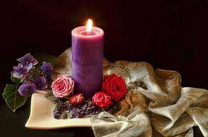 Бесплатные фото свеча,пламя,цветы,розы,натюрморт