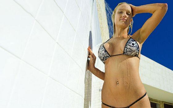 Фото бесплатно блондинка, купальник, бикини
