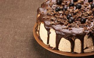 Фото бесплатно десерт, шоколад, крем, ягода, тарелка, стол, еда