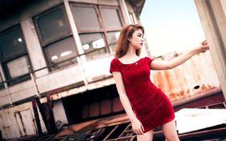 Фото бесплатно девушка, платье, красное