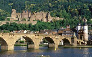 Бесплатные фото дома,крепость,старинная,мост,река,вода,горы