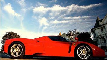 Бесплатные фото феррари,красная,спорткар,зеркала,диски,дома,машины