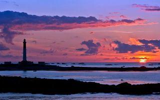 Заставки море,камни,островки,маяк,закат,солнце,горизонт