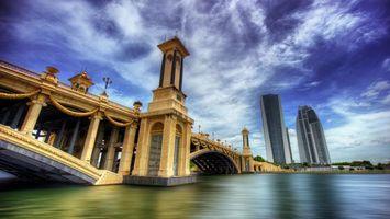 Бесплатные фото река,мост,арки,берег,дома,небоскребы,город