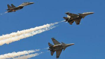 Бесплатные фото самолеты,летят,дым,небо,голубое,крылья,авиация