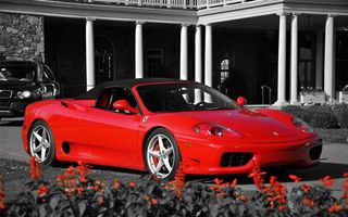Бесплатные фото спортивная,красная,диски,фары,крыша,машины