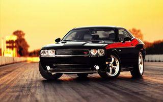 Бесплатные фото автомобиль,колеса,диски,шины,дорога,закат,свет