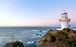 Бесплатные фото берег,маяк,свет,трава,море,камни,пейзажи