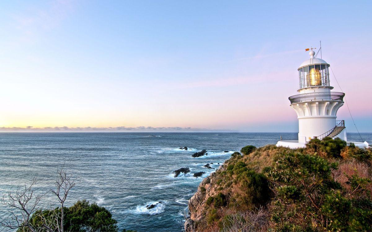 Фото бесплатно берег, маяк, свет, трава, море, камни, пейзажи, пейзажи