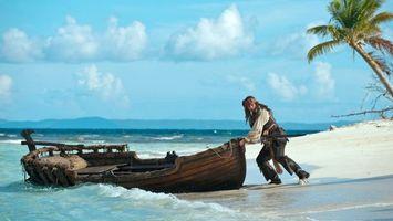 Бесплатные фото джек,воробей,пират,лодка,море,пальма,фильмы