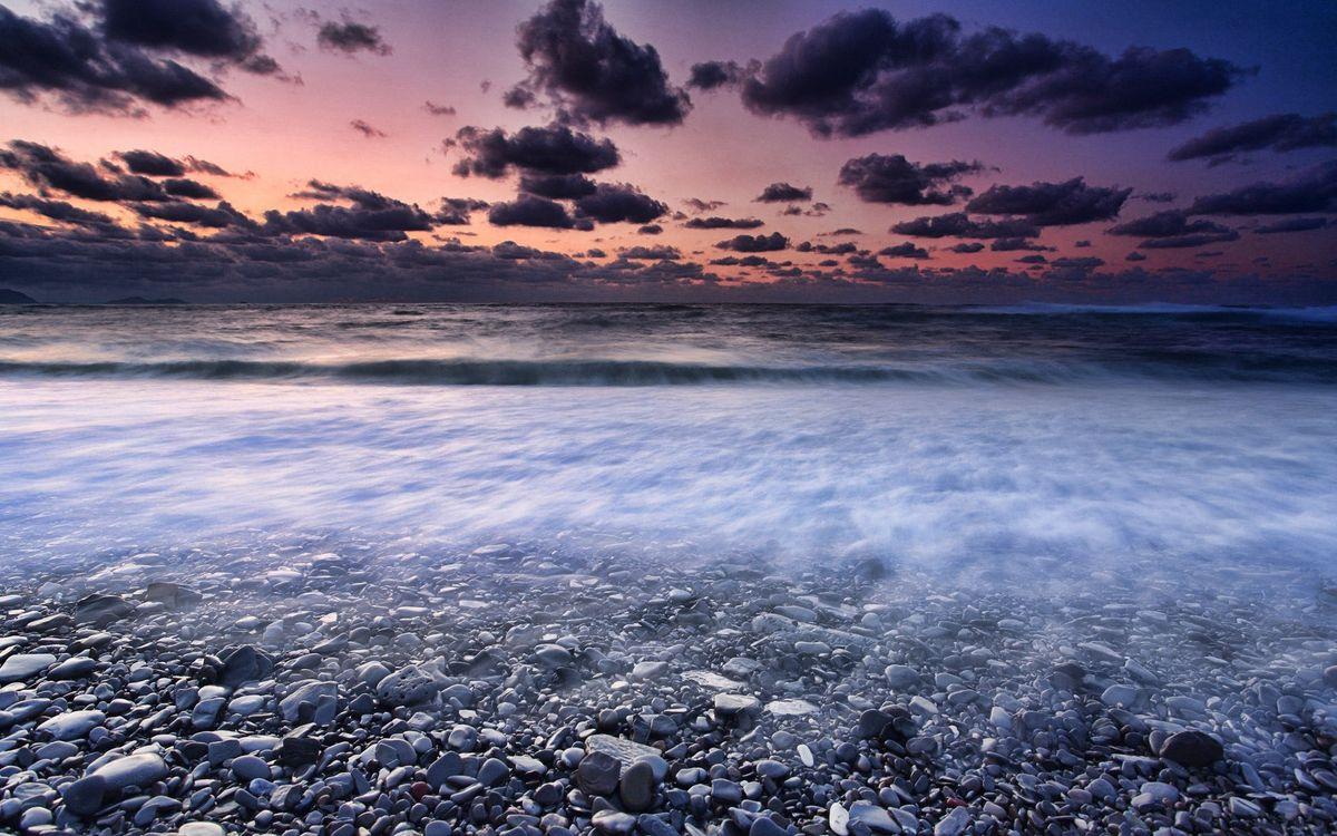Обои море, камни, пляж картинки на телефон