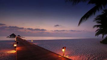 Бесплатные фото море,пляж,пристань,небо,облака,фонари,песок