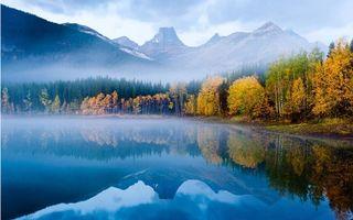 Фото бесплатно осень, деревья, озеро, туман, горы, природа, пейзажи