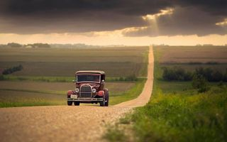 Фото бесплатно ретро, автомобиль, дорога, поля, трава, деревья, машины